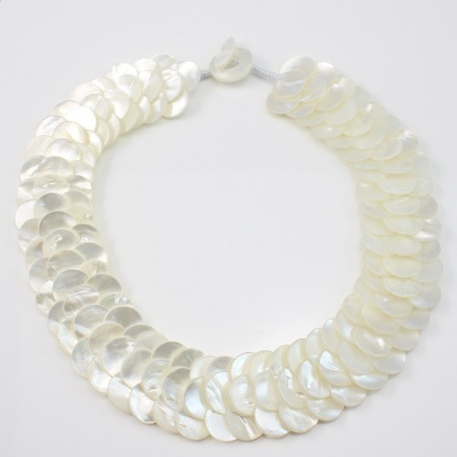 Necklace white shell